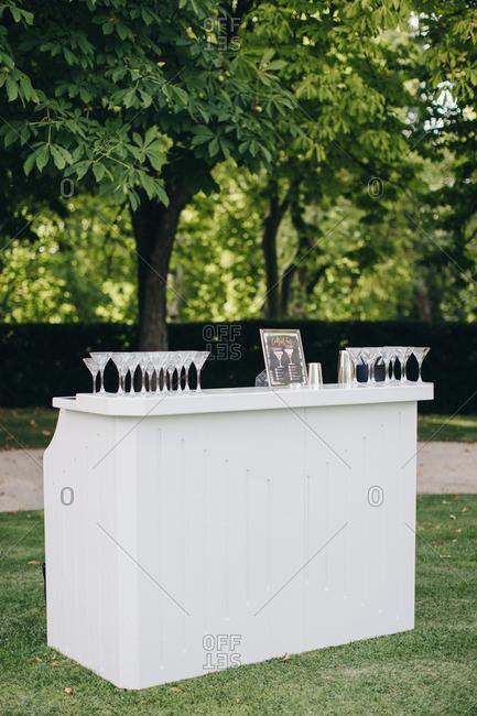 Outdoor bar for wedding