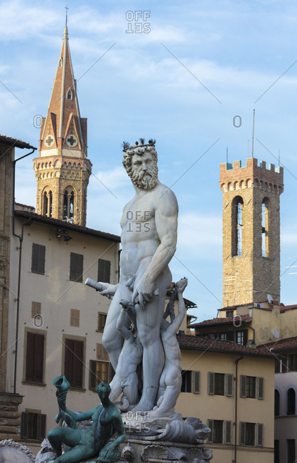 Fountain of Neptune frames the Palazzo del Bargello, Florence, UNESCO World Heritage Site, Tuscany, Italy, Europe