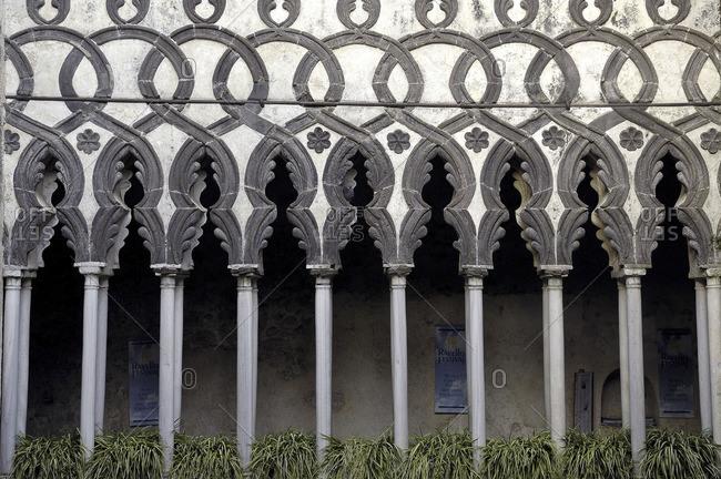 Italy, Campania, Amalfi Coast, Ravello, Villa Rufolo, The Kiostro, Moorish cloisters