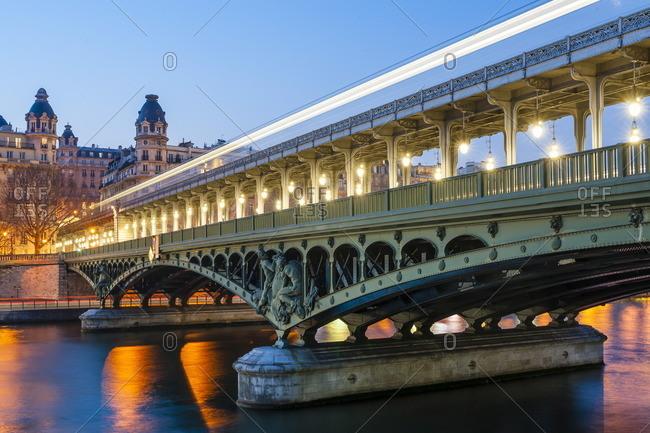 France, Paris, Bir-Hakeim bridge over the Seine