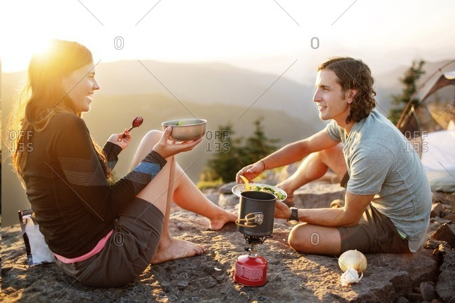 mountain online dating Meet thousands of local stony mountain singles, as the worlds largest dating site we make dating in stony mountain easy plentyoffish is 100% free, unlike paid dating sites you will get more interest and responses here than all paid dating sites combined over 1,500,000 daters login every day to.