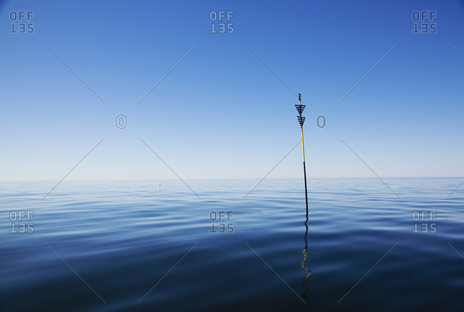 Pole in sea - Offset Collection