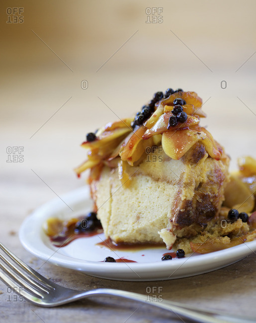 Bread pudding with peaches and berries