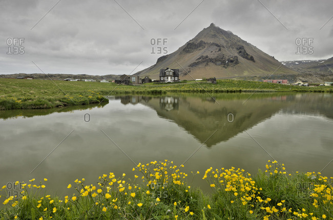 Arnarstapi fishing village at the foot of Mt Stapafell Sn_fellsnes Peninsula, Iceland