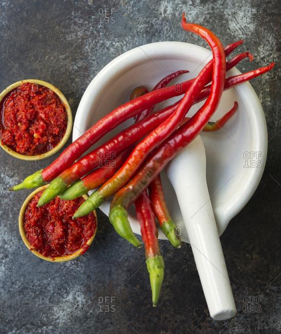 Sambal oelek and chili peppers