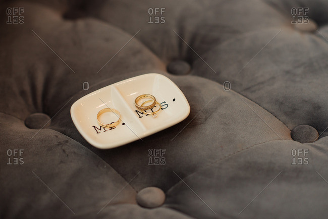 Wedding bands on his and her tray