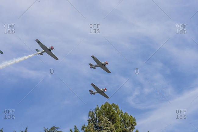 Airplanes Flying in Formation Overhead, Altadena, California, USA
