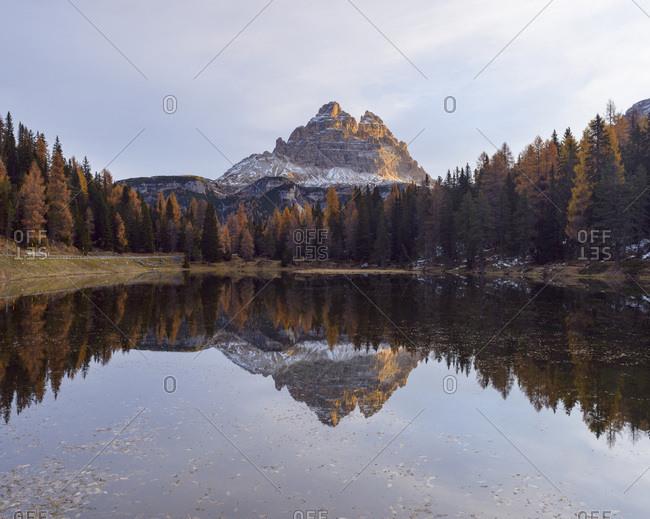 Tre Cime di Lavaredo reflected in Lago d'Antorno at Sunrise, Misurina, Cadore, Belluno District, Veneto, Dolomites, Italy