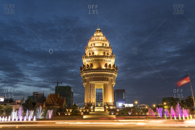 Cambodia- Phnom Penh- Independence Monument at dusk