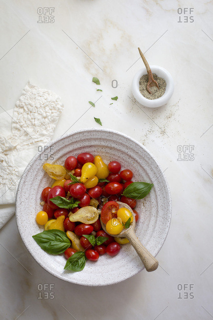 Tomato basil salad - Offset Collection