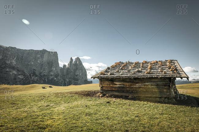 Italy- South Tyrol- Seiser Alm- barn and Schlern