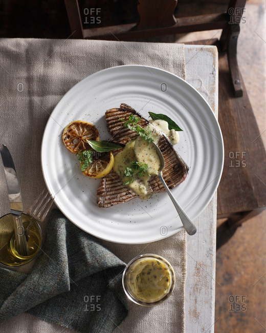Grilled tuna steak with caper mayonnaise