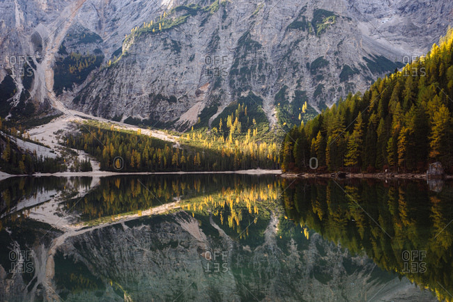 Lago di Braies, Dolomite Alps, Val di Braies, South Tyrol, Italy