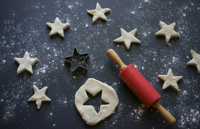 Rolling pin and star-shaped pastry cutter for cookies