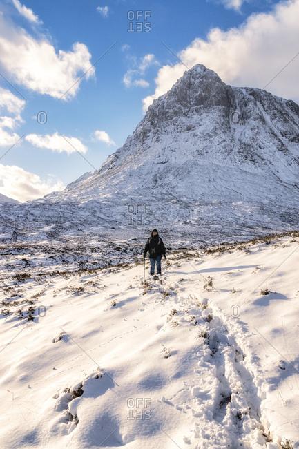 UK- Scotland- Glencoe- Buachaille Etive Mor- Female walker