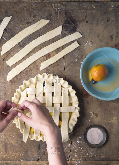 Making lattice on a pie