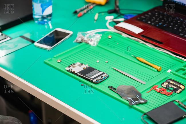 Mobile phone repair center