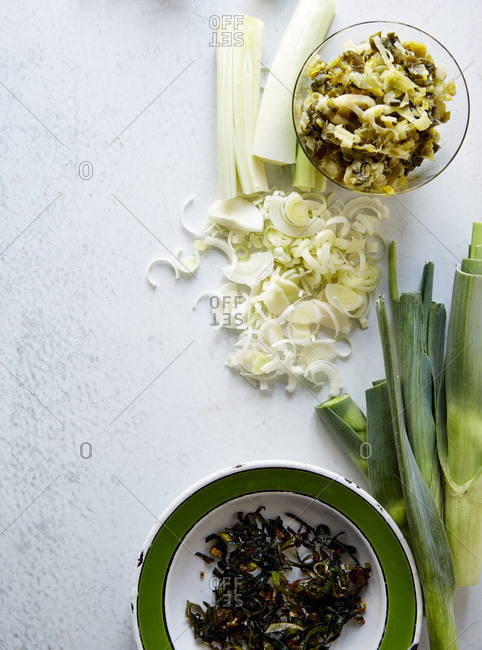 Arrangement of three different preparations of leeks