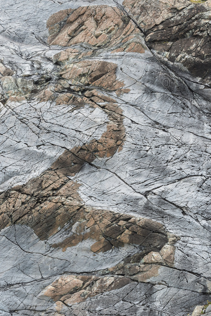 Close view of rocks rich in serpentine and other minerals.