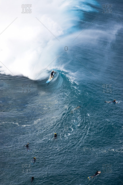 Flynn Novak Surfing At Pipeline On The North Shore Of Oahu