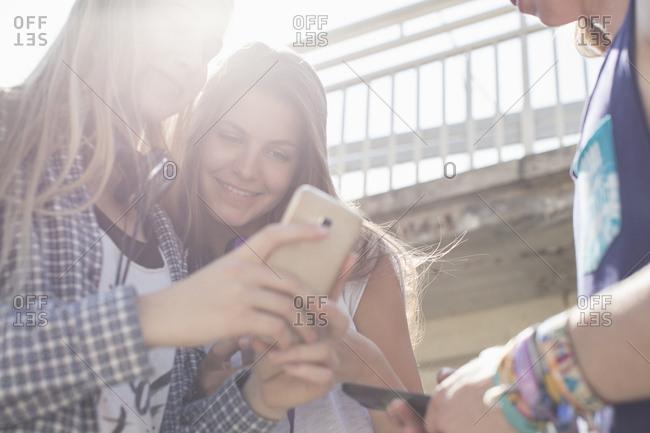 Friends social-networking on smartphones