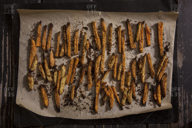 A tray of seasoned fries
