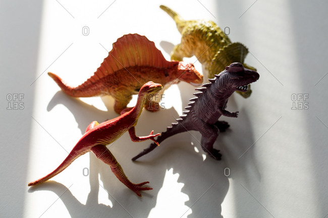 Group of toy dinosaurs - Offset