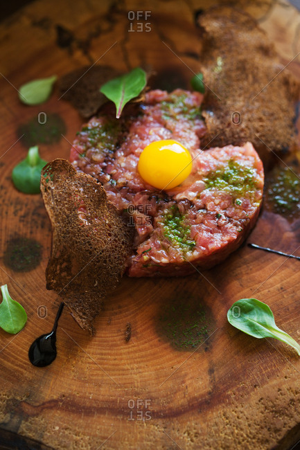 Beef tartar on wood