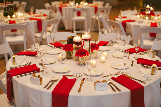 Cozy tables for winter wedding reception