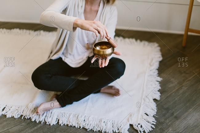 Tibetan meditation singing bowl