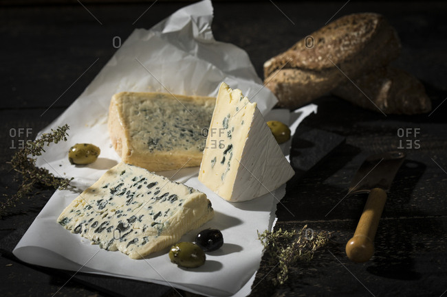 Blue cheese- olives- herbs and crusty bread