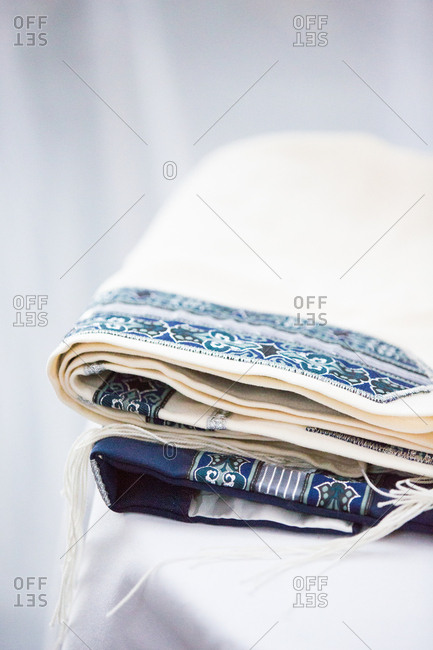 Jewish wedding garments with blue and white fabric