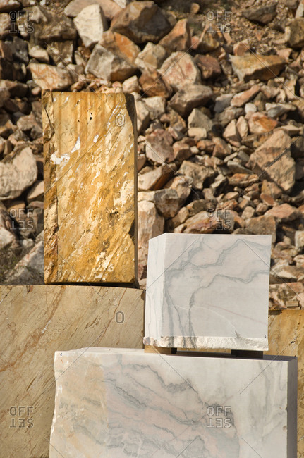 Cut marble blocks from quarry
