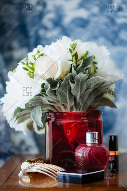White flowers with beauty items