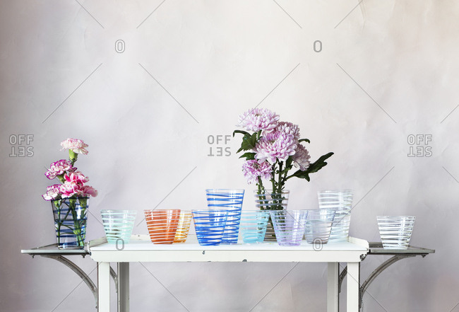 Flowers in glass tumblers - Offset