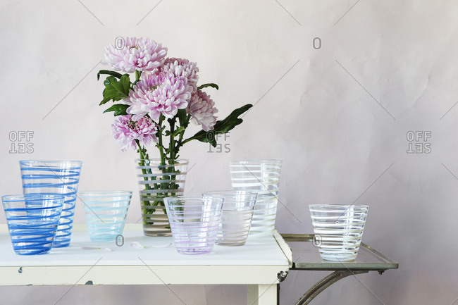 Mums in glass tumblers - Offset