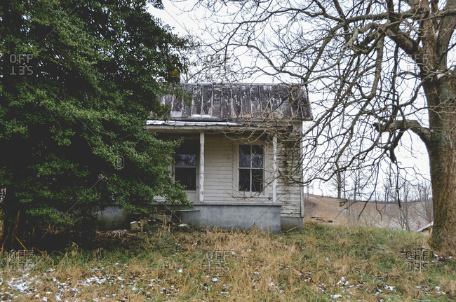 Abandoned farm house in the country