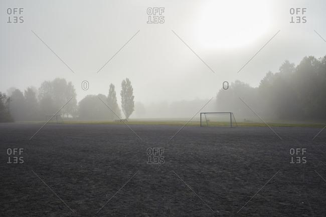 Sweden, Sodermanland, Johanneshov, Nytorps garde, Field in fog