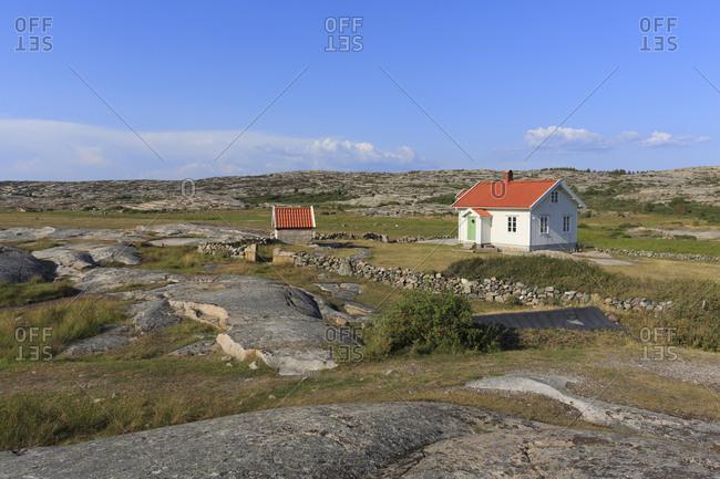 Sweden, Swedish West Coast, Bohuslan, Grosshamn, Houses in rural landscape