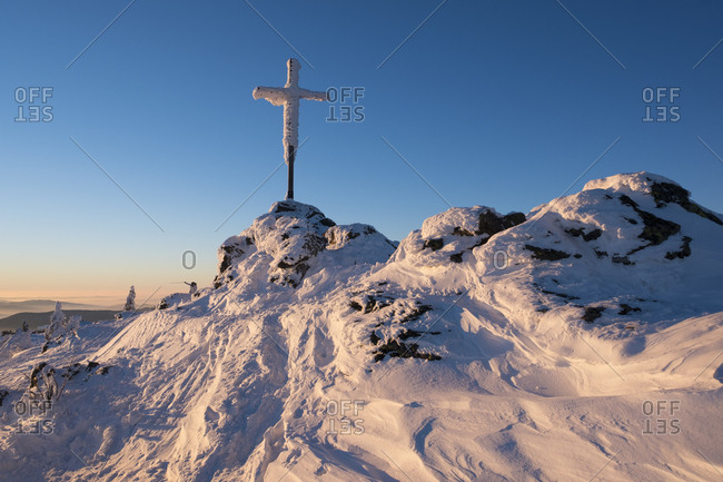Germany - Bavaria - Bavarian Forest in winter - Great Arber - summit cross