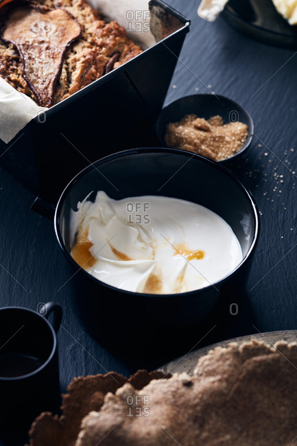 Various breakfast items with cream