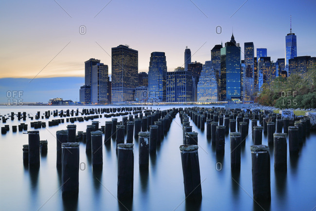 View of the Financial District skyline with the Freedom Tower in the background from Brooklyn