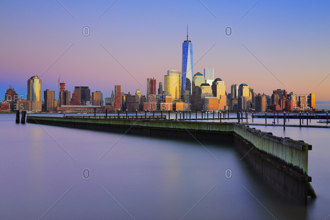 One World Trade Center, Freedom Tower, View across the Hudson River of the Downtown Manhattan and Financial District skyline from New Jersey