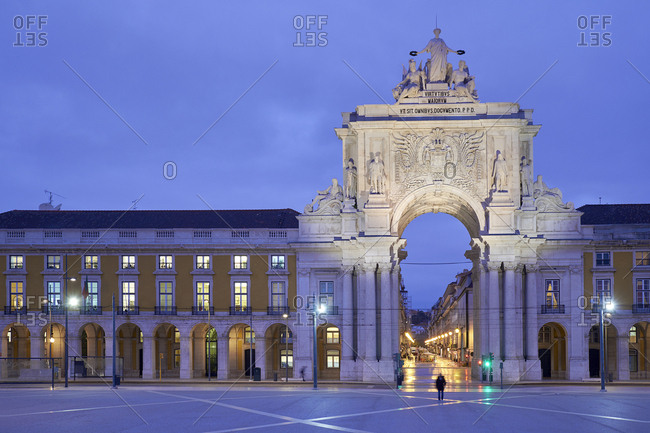 Praca do Comercio (square) - The Arco da Rua Augusta at dawn