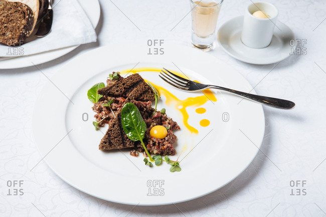 A tartar dish on plate
