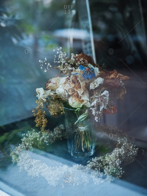 A vase with dried flowers