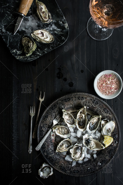 Oysters on ice on a tray