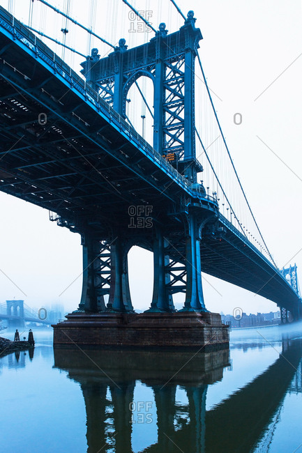 USA, New York, New York City, Manhattan, Brooklyn Bridge over East River