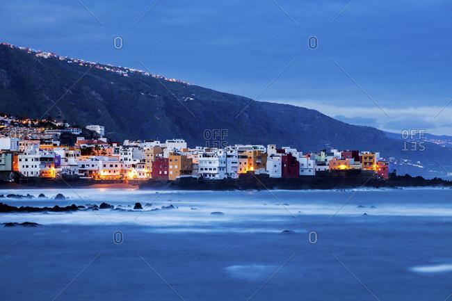 Spain, Canary Islands, Tenerife, Puerto de la Cruz, Puerto de la Cruz at night