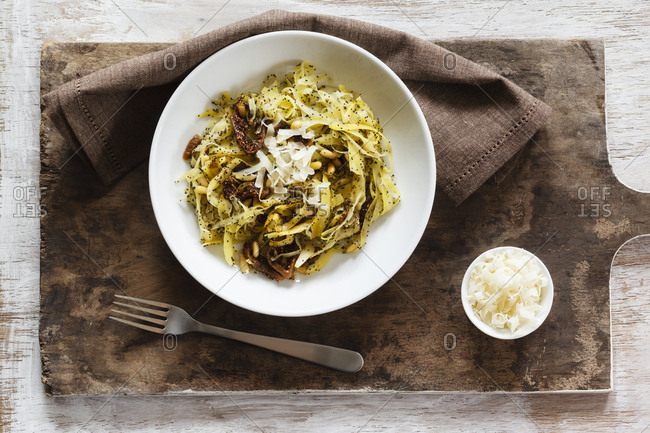 Tagliatelle made of carrots with poppy seed sauce